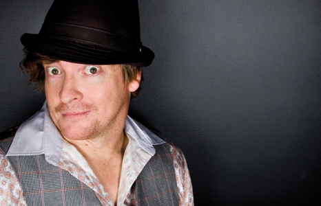 Featured_exhib_performance_rhys-darby