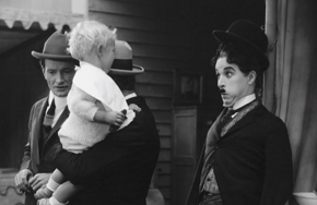 Featurebox_chaplin_tramp100_circus