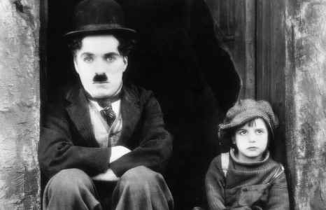 Featured_exhib_film_chaplin_tramp100_thekid