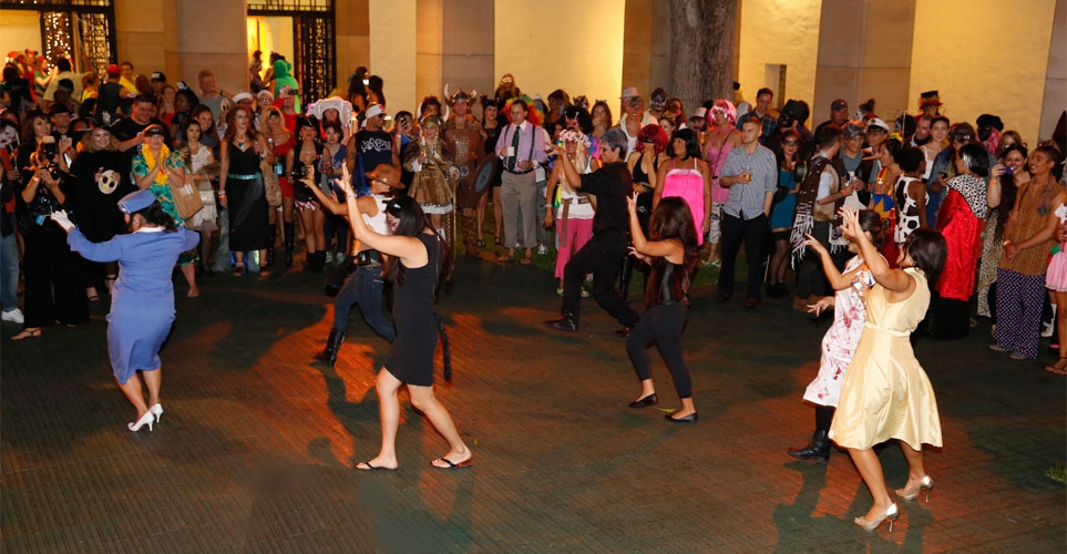Exhib_slideshow_aad_nightmare_oct2014_flashmob