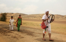 Past_exhib_film_dhanak
