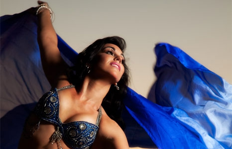 Featured_exhib_performance_bellydance2016_essence